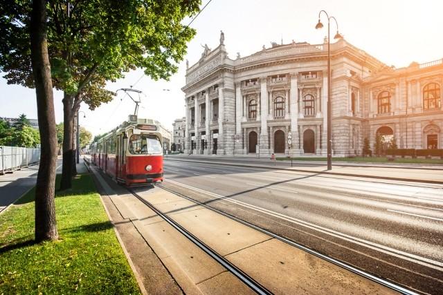 Adutours - utazási iroda   Schönbrunni kastély és állatkert - Ausztria - Bécs