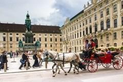 Vásárlás Bécsben, karácsonyi vásárok, üzletek, áruházak