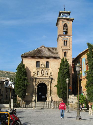 Plaza Nueva - Santa Ana templom