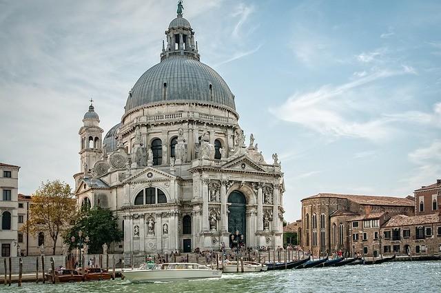Santa Maria della Salute templom, Velence