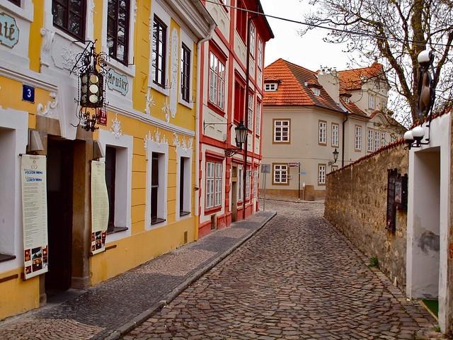 Újvilág, Prága